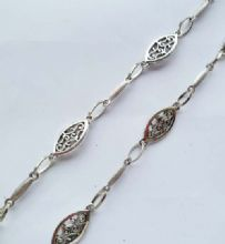 Oval Scroll and Ridged Bar unfinished chain. 1m length